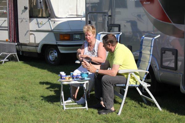 Ronald en Ria op campertraining