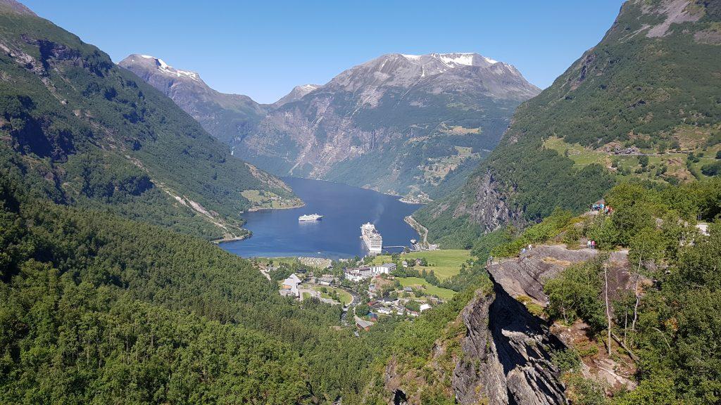 Camperreis Noorwegen Geiranger uitzichtpunt