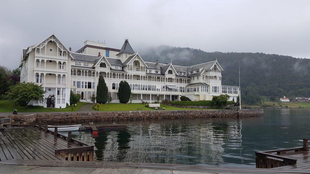 Camperreis Noorwegen Kvikne hotel Balestrand