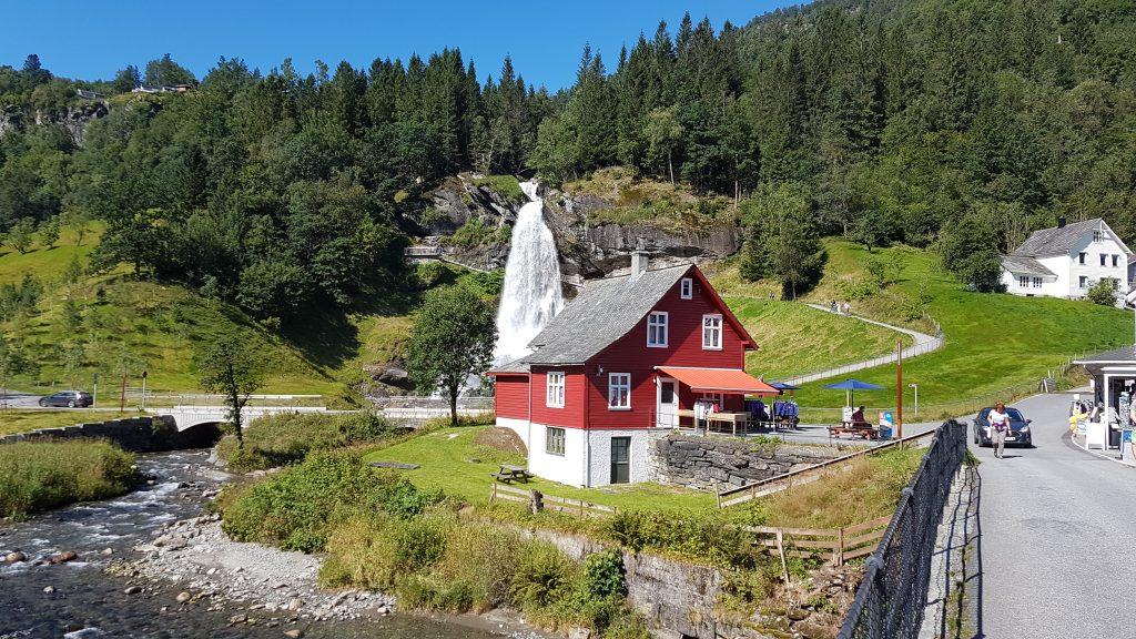 Camperreis Noorwegen Jorpeland