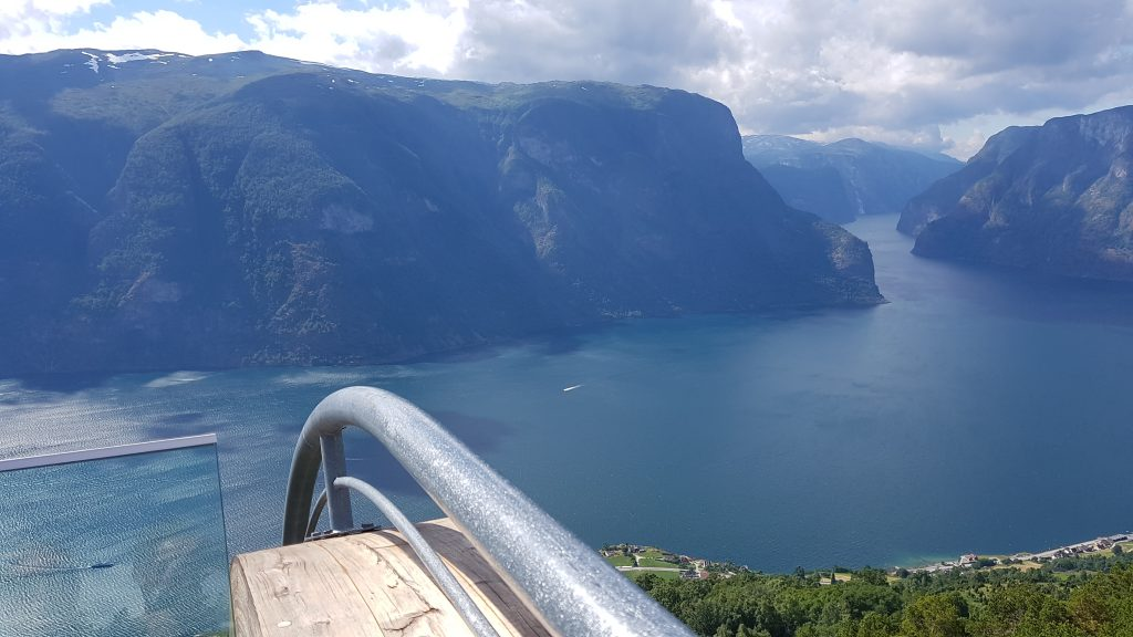 Camperreis Noorwegen Stegastein uitzichtpunt