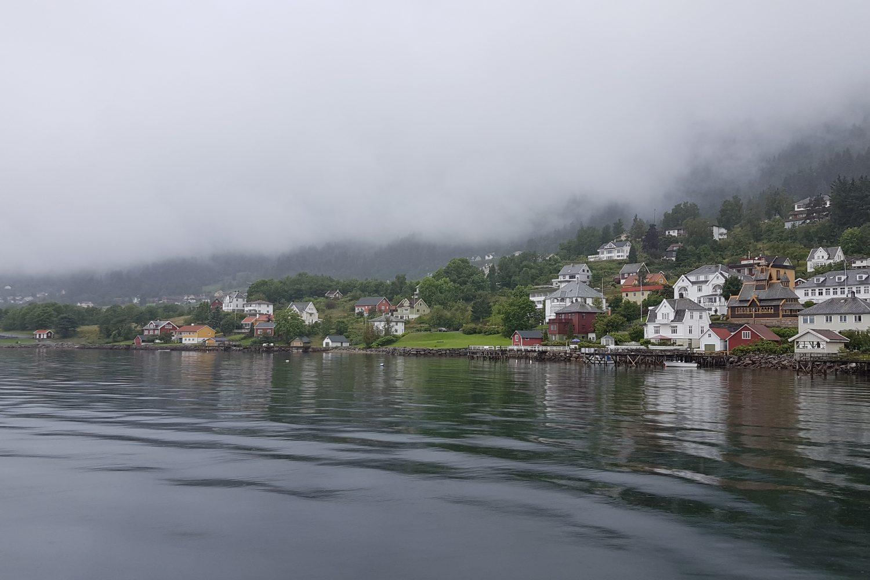 Camperreis Noorwegen - uitzicht op Balestrand