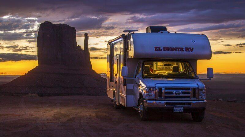 Adembenemende zonsondergang in Monument Valley