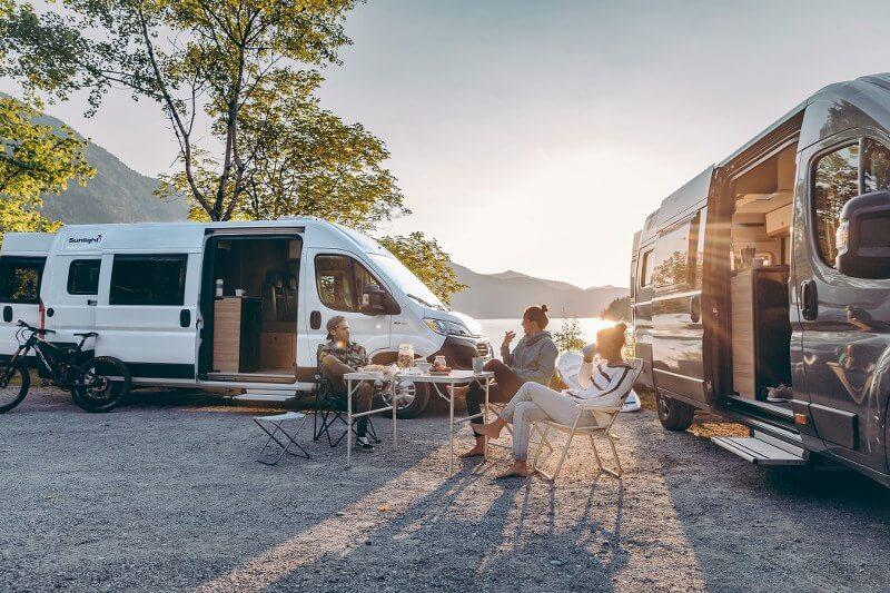 Gezellig met vrienden op reis met de camper