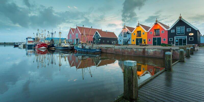 23_Kleurige huisjes Zoutkamp_MK_20140831_8697-medium_800x400